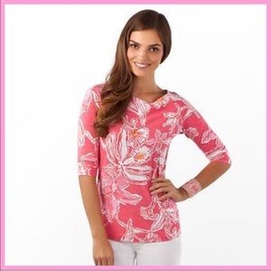 "LILLY PULITZER | ""Cassie"" Tee - Hotty Pink Lily"